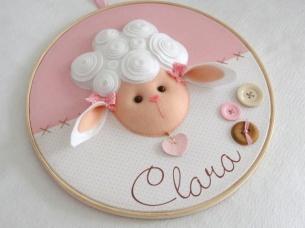 quadro-maternidade-bastidor-ovelha-enfeite-de-porta