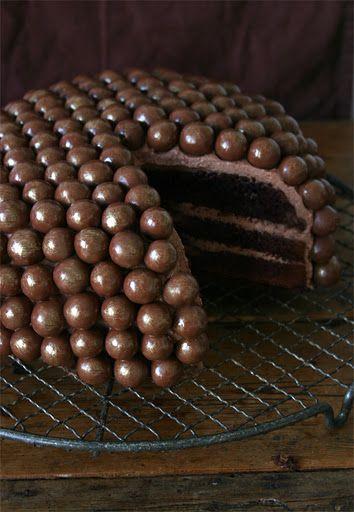 Super simples, apenas com bolinhas de chocolate, mas que já dá outra cara e um crocante a mais!