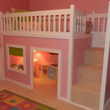 A mistura de casinha, beliche e cantinho da brincadeira. Esse modelo é o sonho das meninas, hein. Já vem com a casinha de bonecas acoplada!!