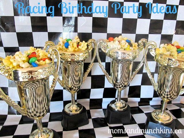 E para a festinha do seu piloto de Formula 1, nada melhor que trofeus recheados com muitos doces.
